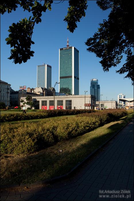 http://www.ziolek.pl/fotografie/warszawy/ulice/zdjecie06.jpg